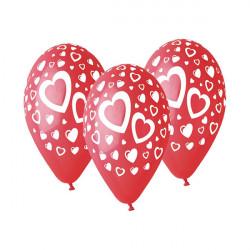 Czerwone balony w serduszka